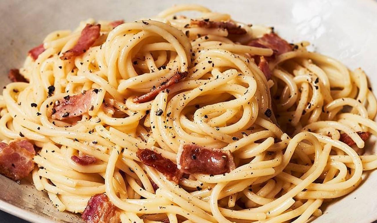 Συνταγή για την πιο λαχταριστή Σπαγγέτι Carbonara & Tips για τέλεια ζυμαρικά