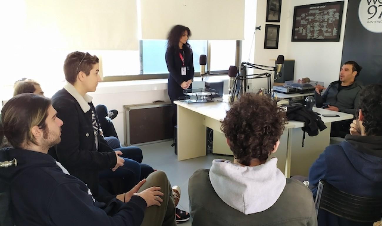 Οι σπουδαστές του ΙΕΚ ΔΕΛΤΑ 360 Πάτρας, στον Wave fm!