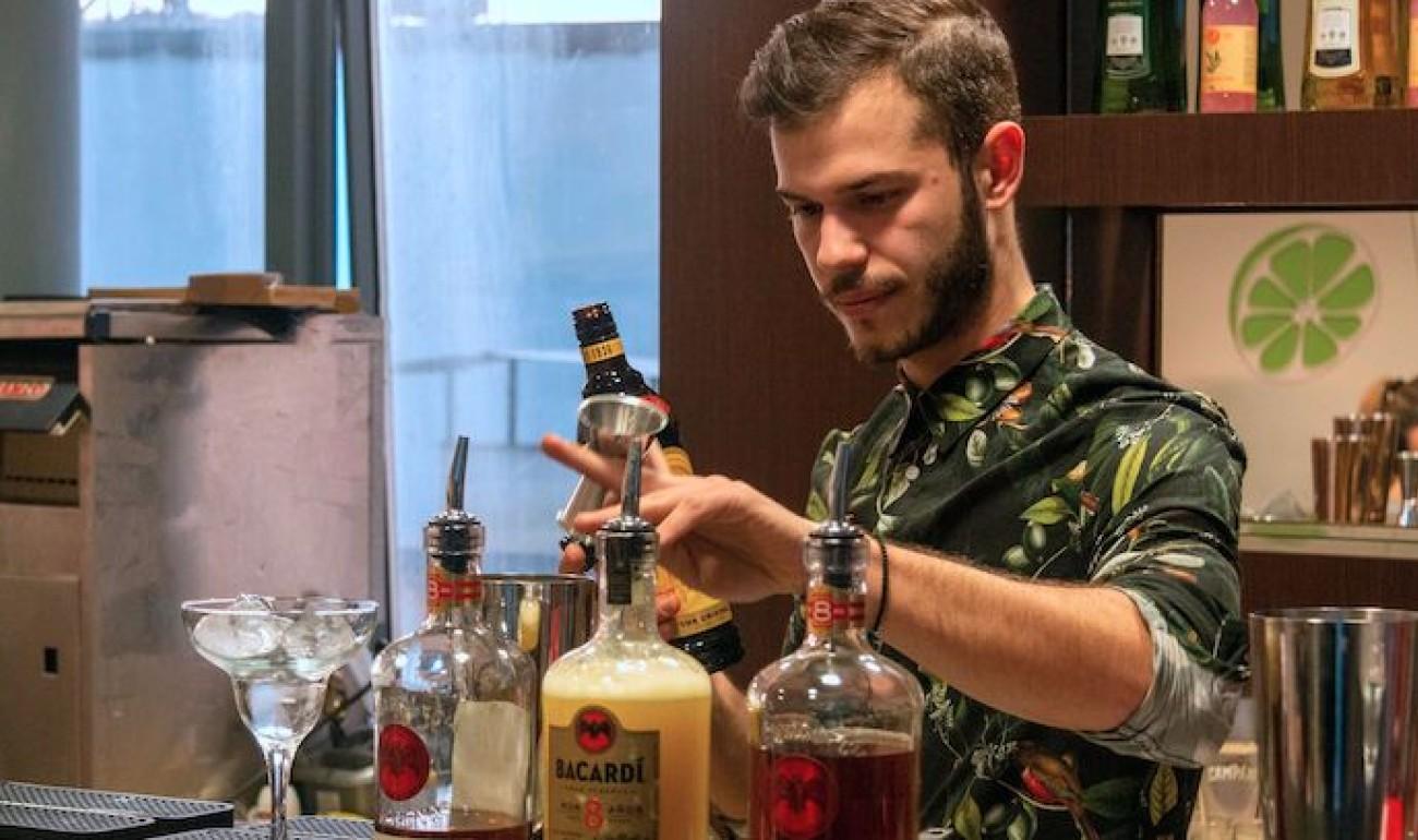 Πραγματοποιήθηκε στα Ιωάννινα το cocktail MasterClass – Ke kumu, με τον εισηγητή Γιώργο Χρόνη να δίνει τον καλύτερο του εαυτό