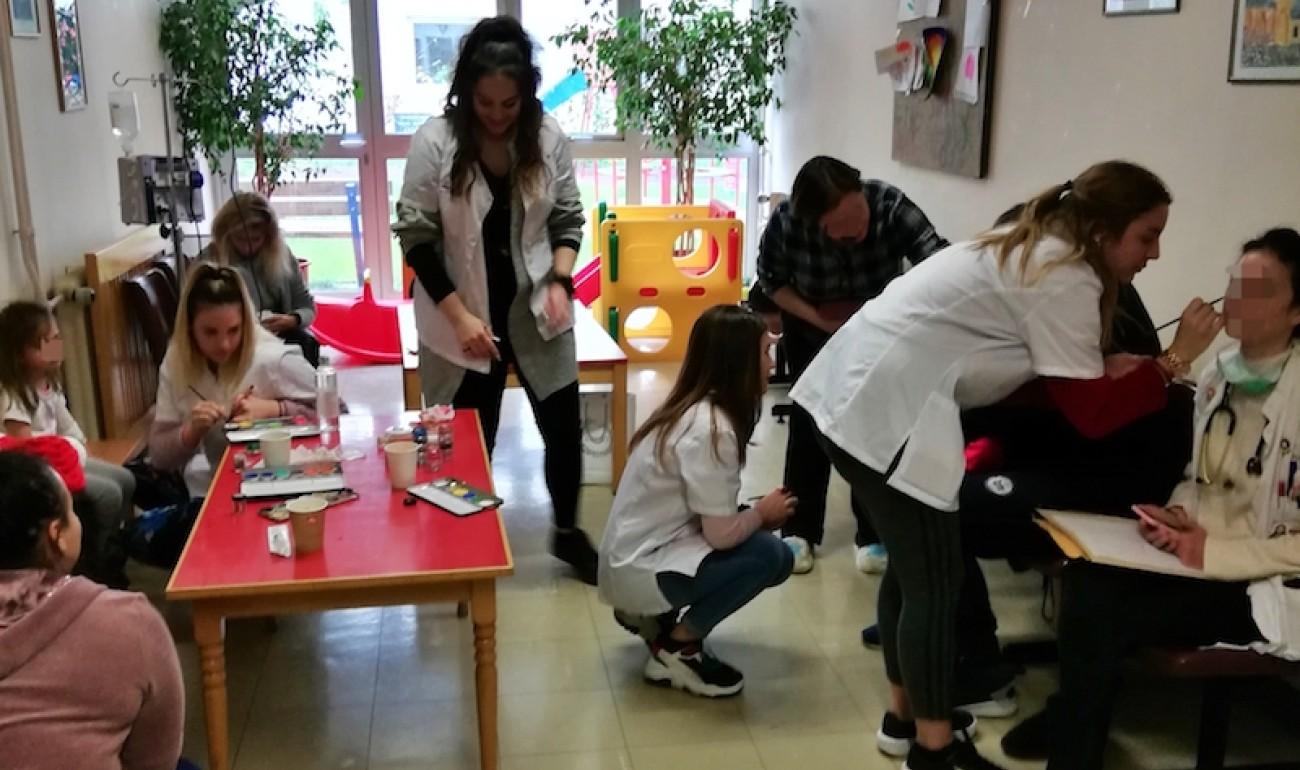 Το ΙΕΚ ΔΕΛΤΑ 360 μοίρασε δώρα στην παιδιατρική κλινική του Πανεπιστημιακού Γενικού Νοσοκομείου Ιωαννίνων