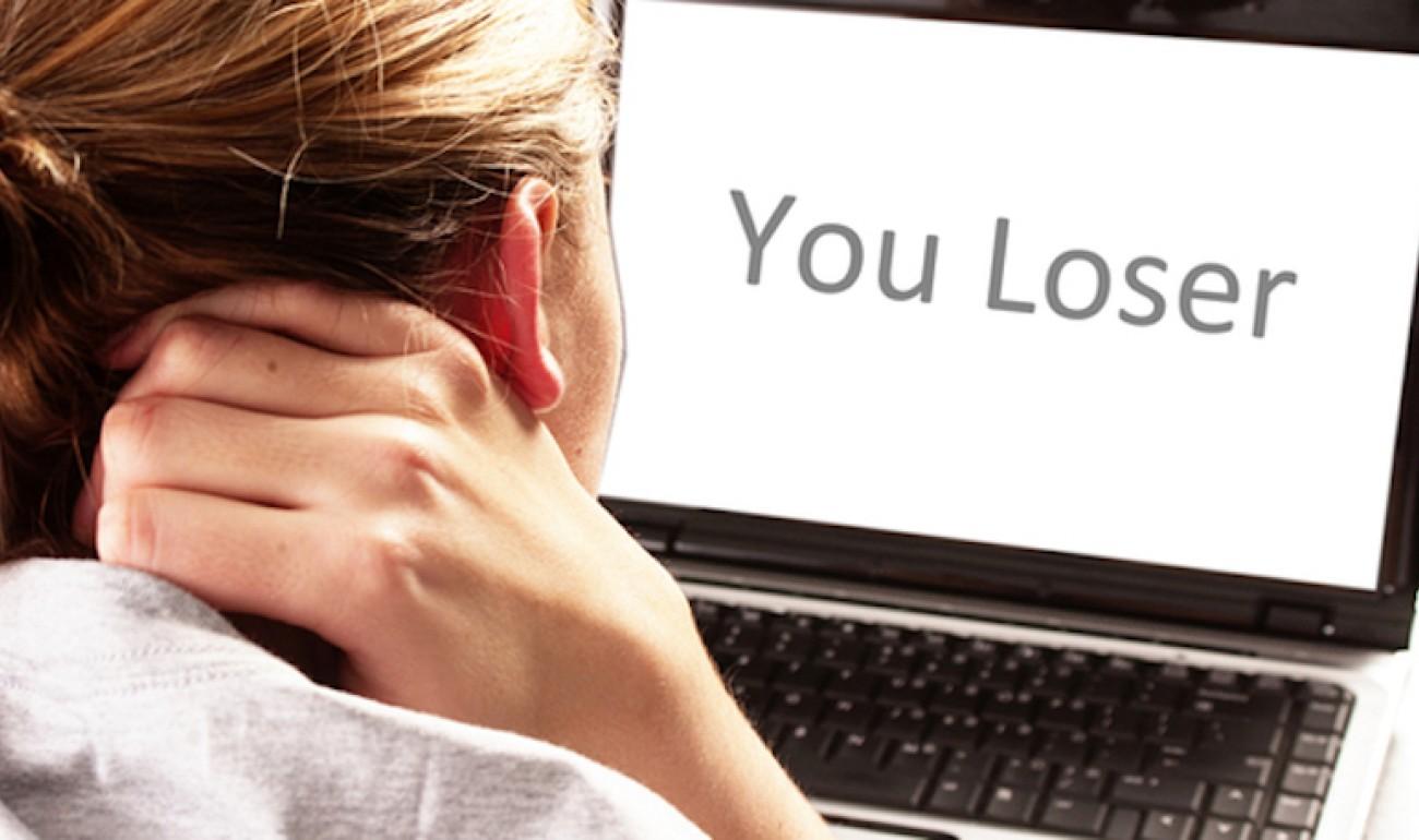 Φαινόμενο «Διαδικτυακού εκφοβισμού»: Τι είναι και πως να το αντιμετωπίσεις!