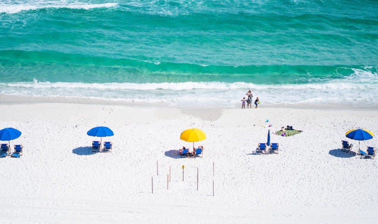Καλοκαίρι και ηλιοθεραπεία: Όσα πρέπει να γνωρίζουμε